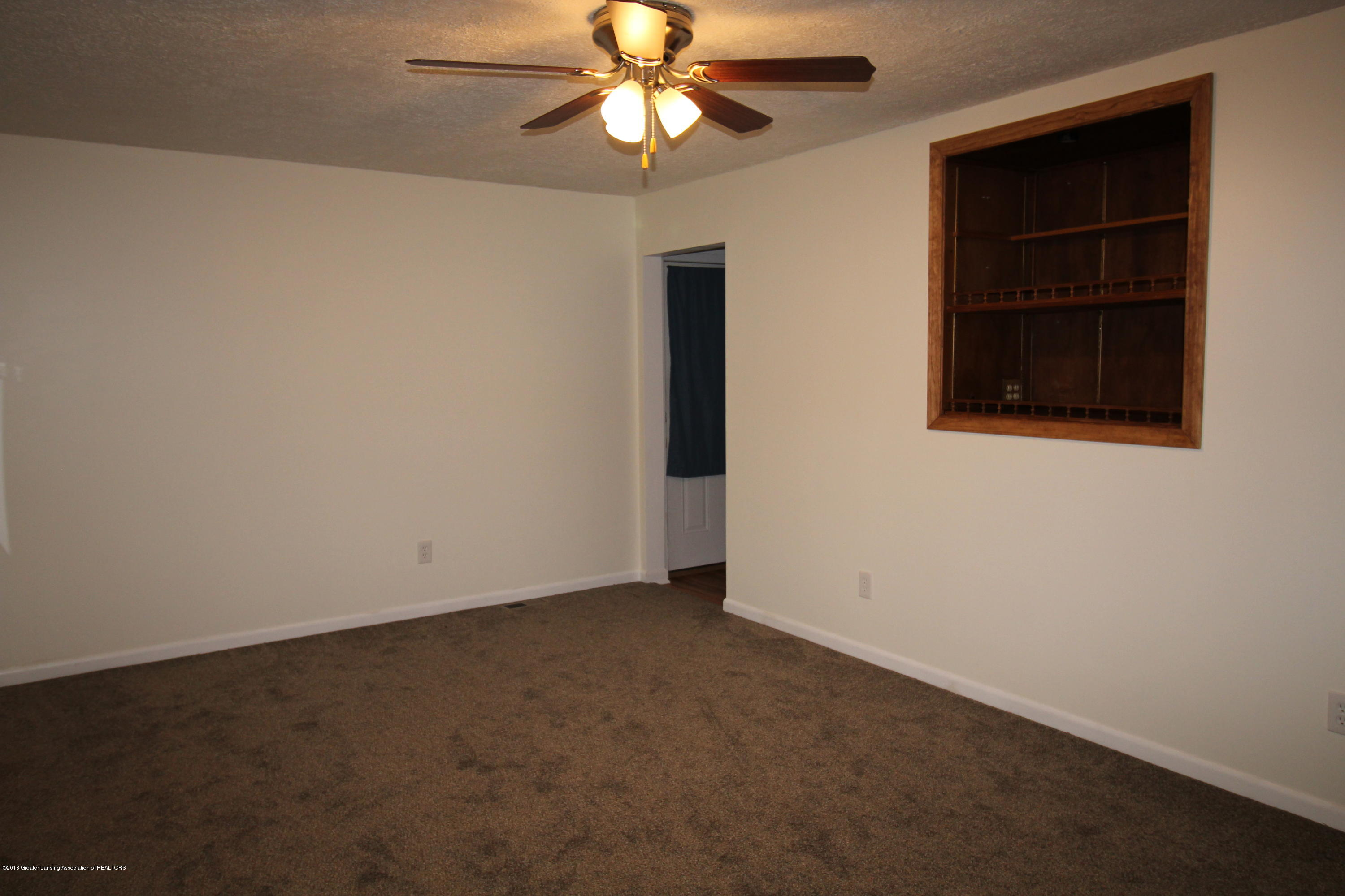 616 Forest St - Living Rm - 7
