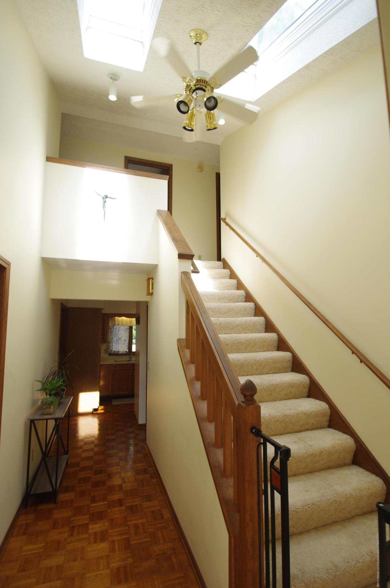 5410 Park Lake Rd - Foyer - 7
