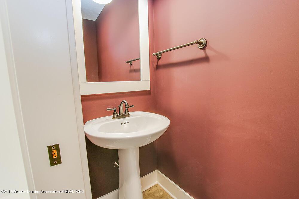 1547 Wellman Rd - Powder Room - 14