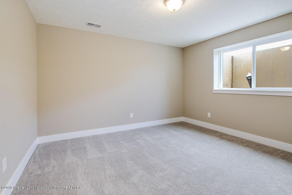 1547 Wellman Rd - Lower Level Bedroom - 27