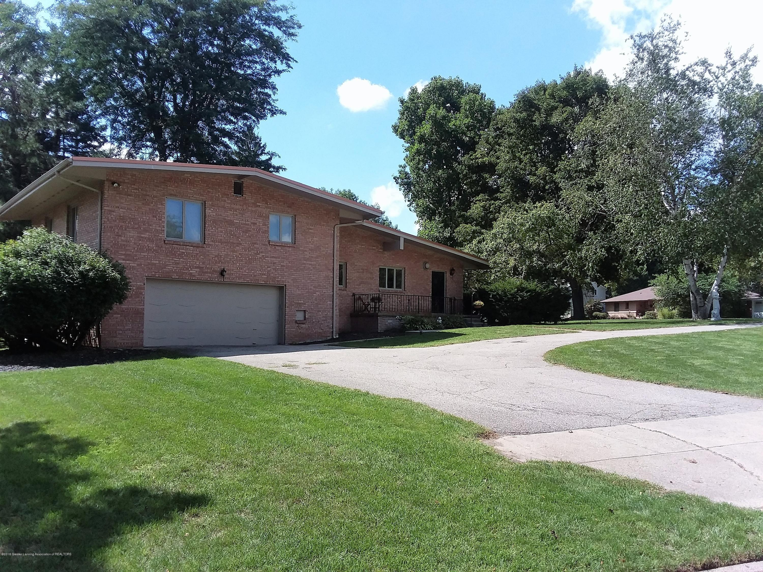 2839 Westchester Rd - front of house - 1