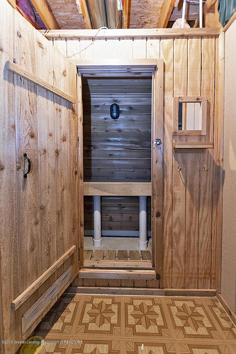 5696 Shaw St # 3 - 5696 Shaw St #11 Sauna in LL - 25
