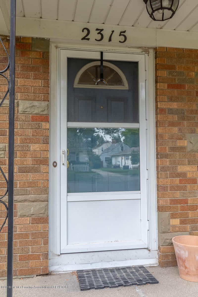 2315 Woodruff Ave - Front Porch - 4