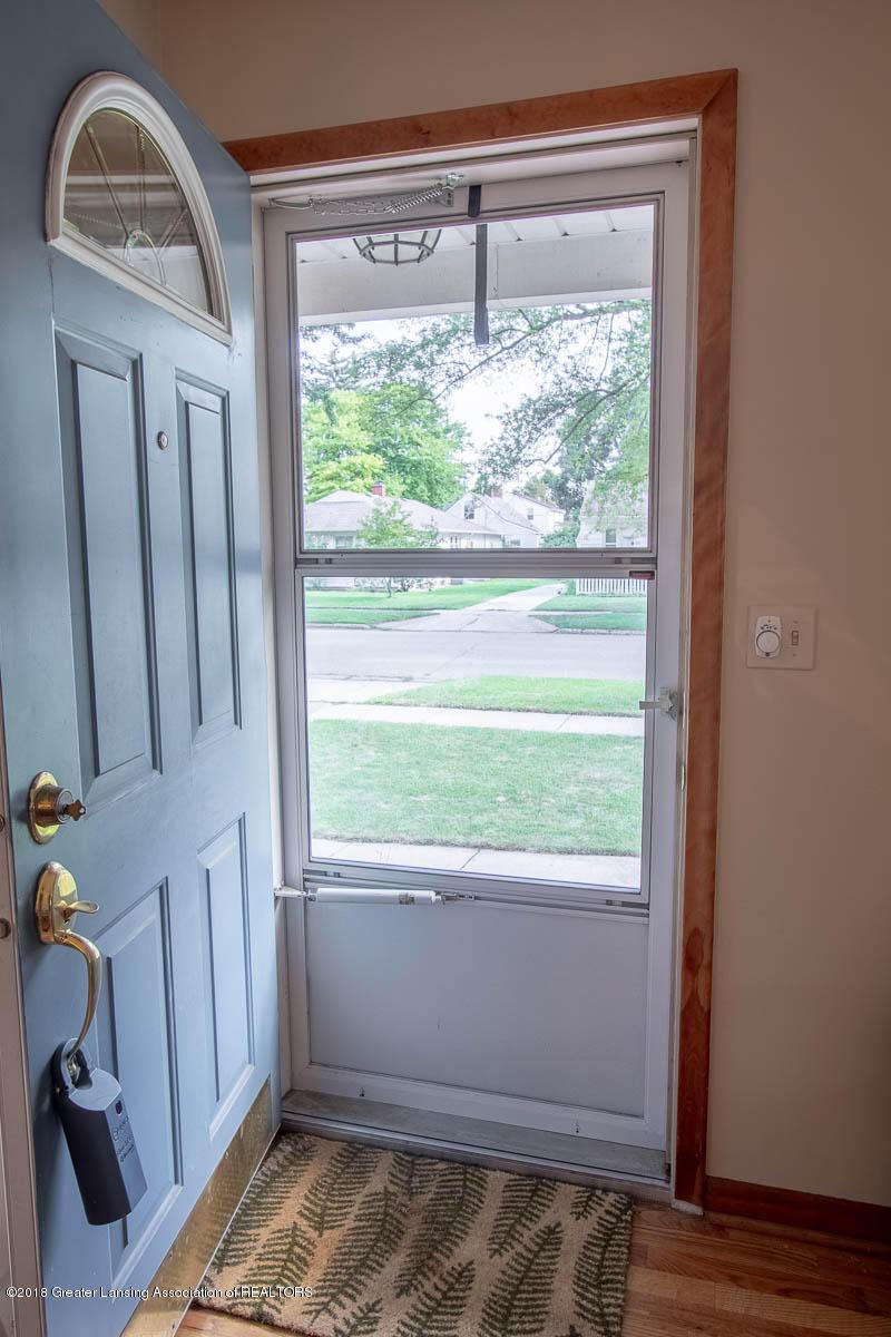 2315 Woodruff Ave - Front Entrance - 5