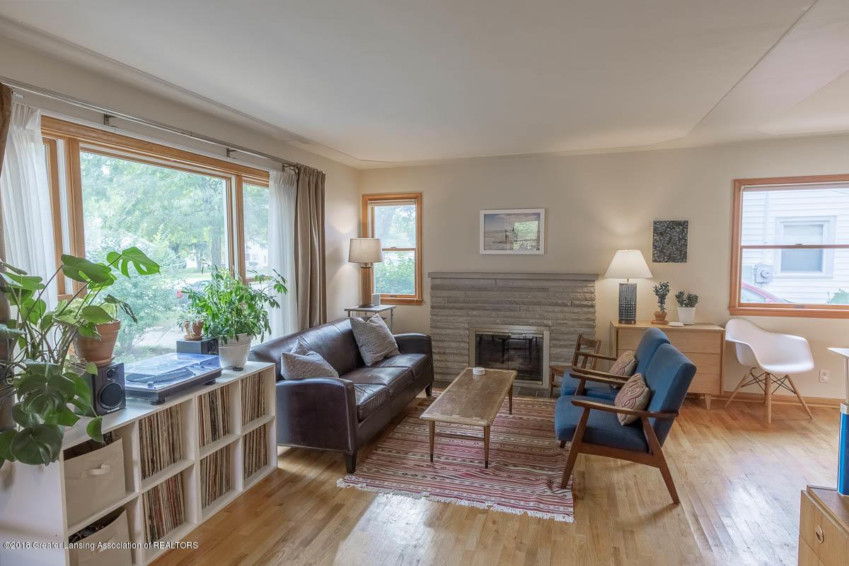 2315 Woodruff Ave - Livng Room - 6