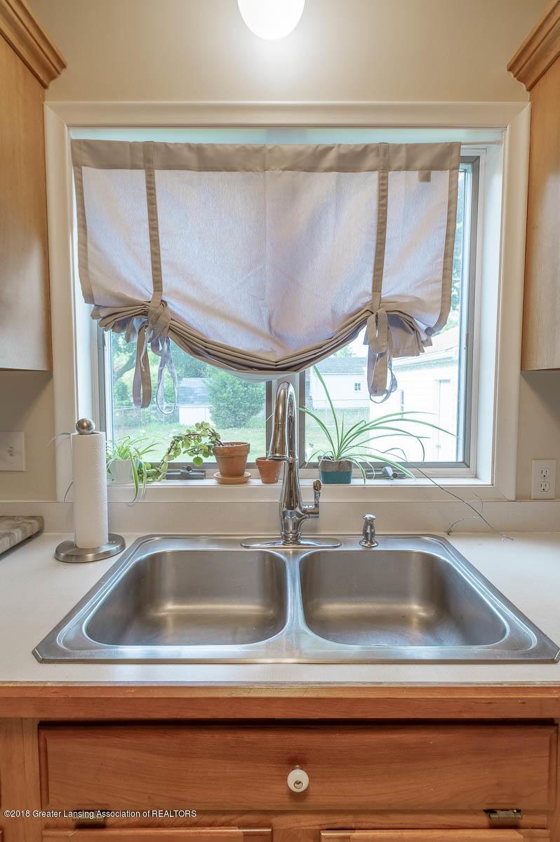 2315 Woodruff Ave - Kitchen - 9