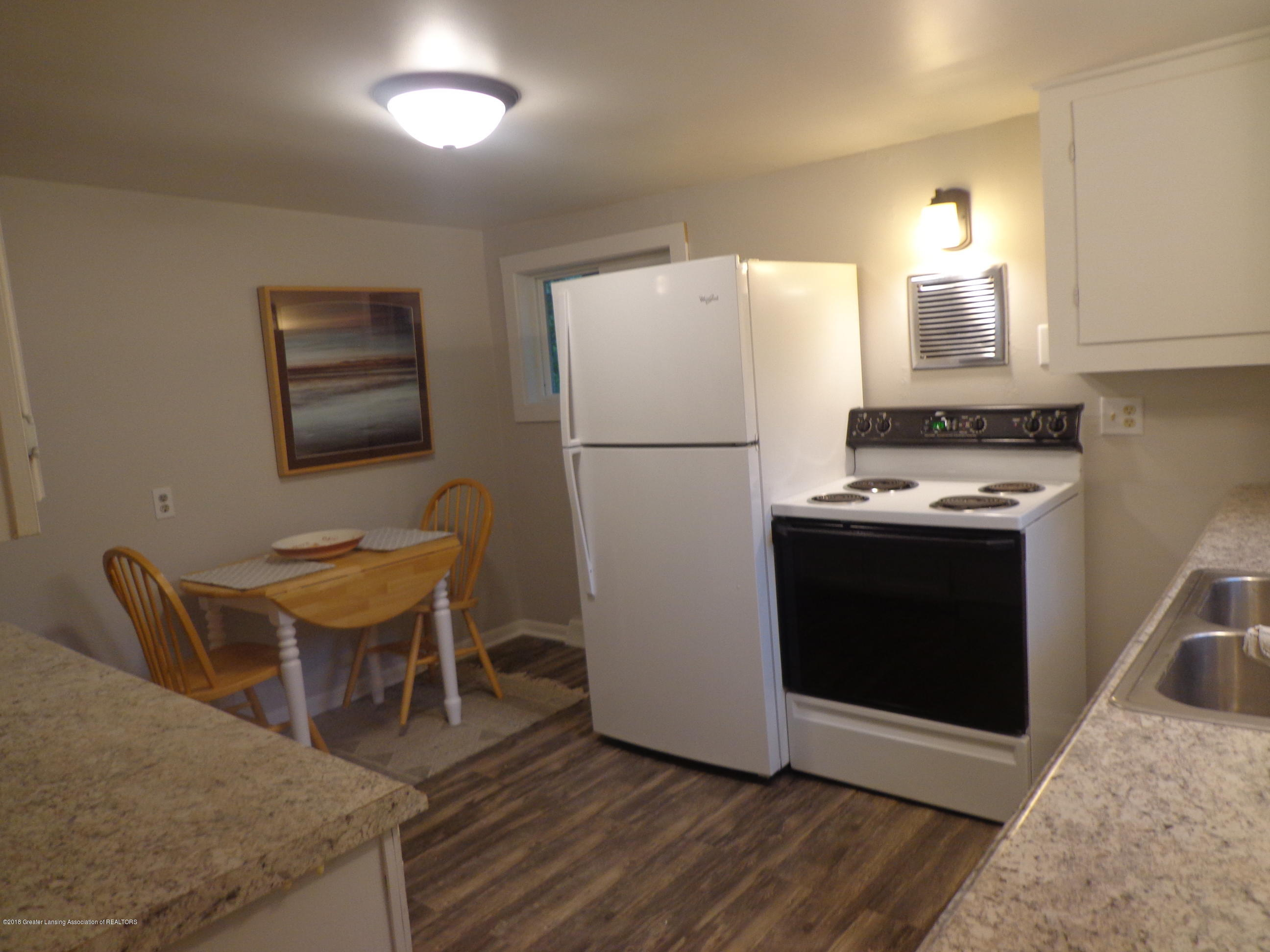 4950 Hogsback Rd - kitchen - 7