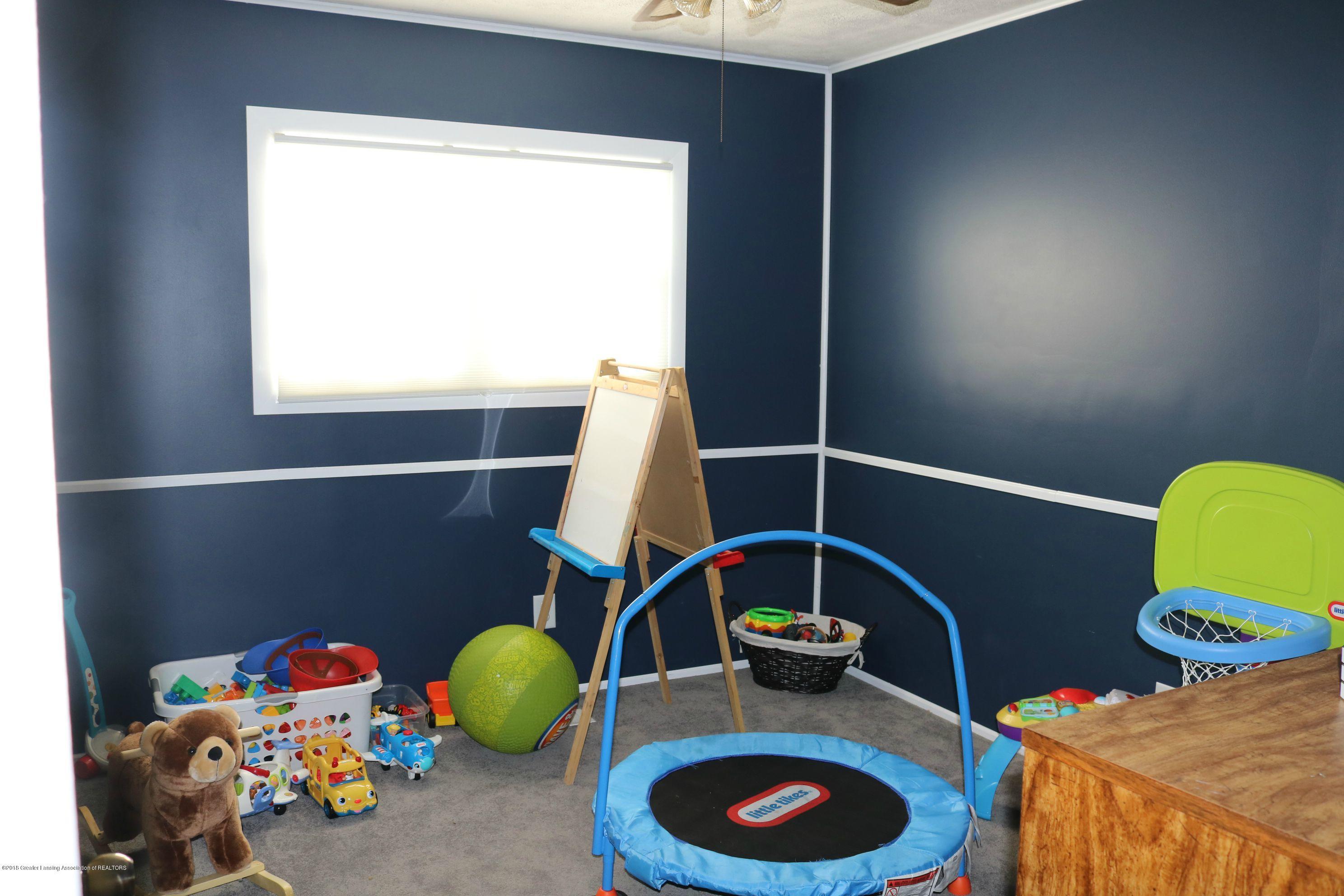 765 N Canal Rd - Bedroom 3 - 17