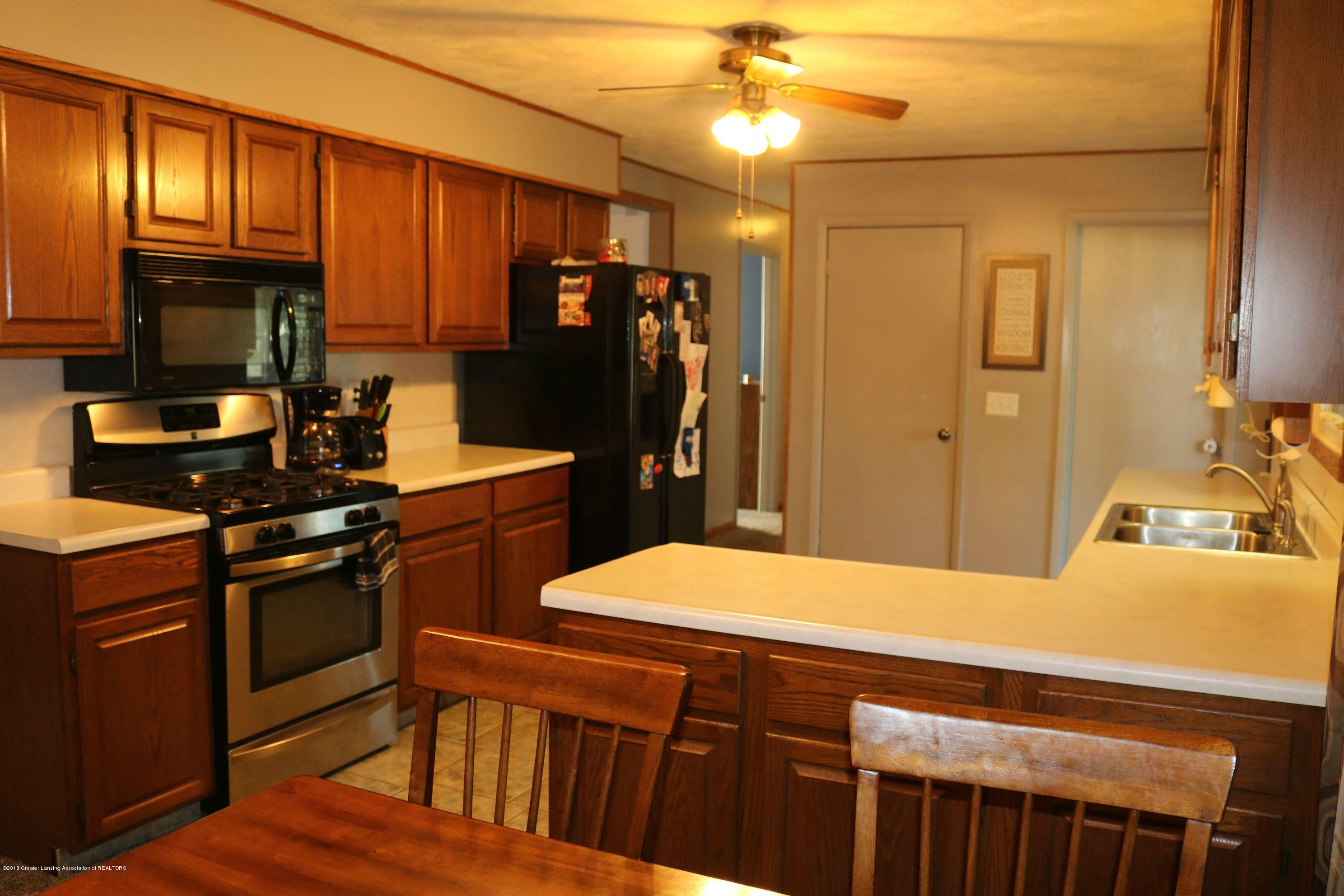 765 N Canal Rd - Kitchen - 7