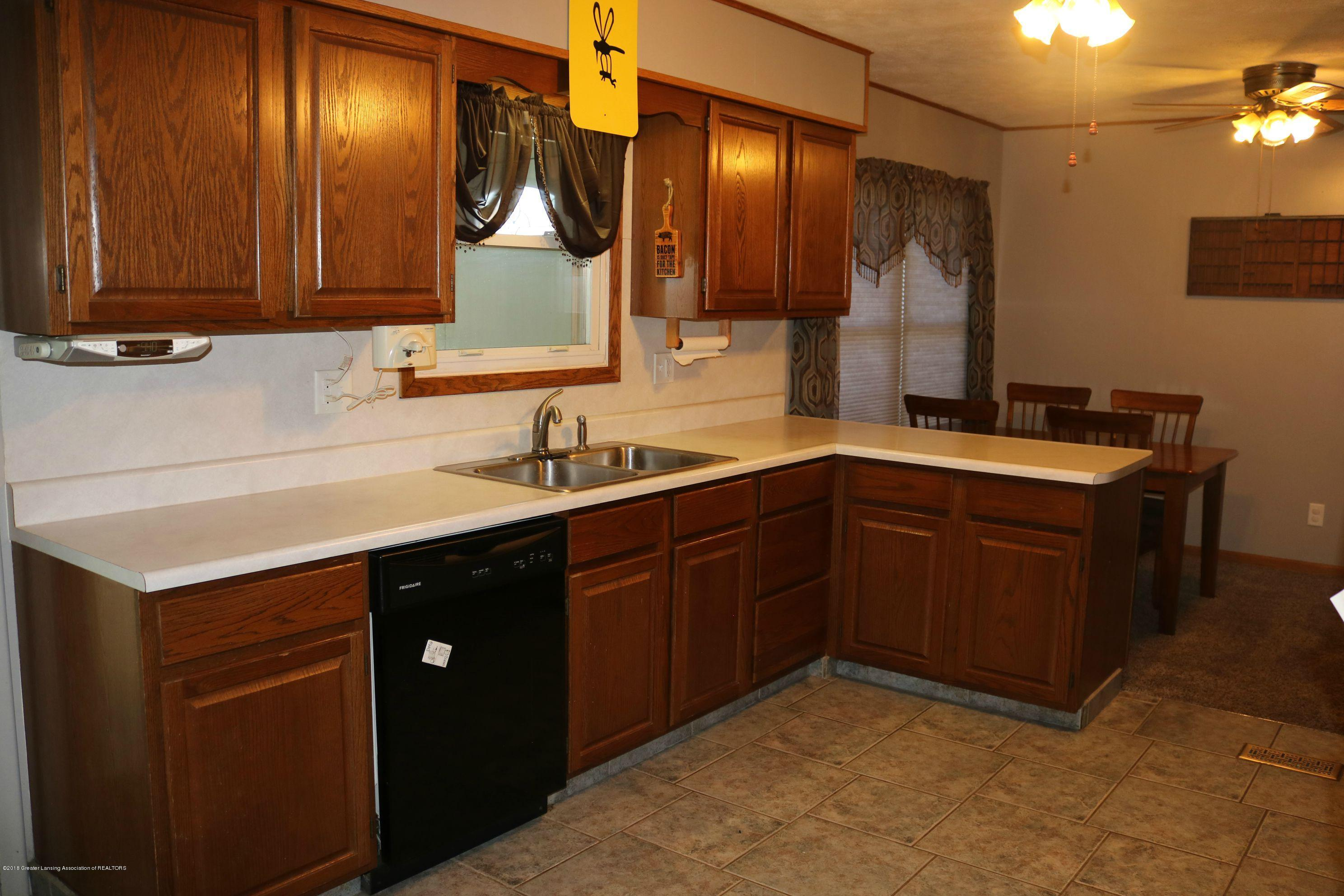 765 N Canal Rd - Kitchen - 6