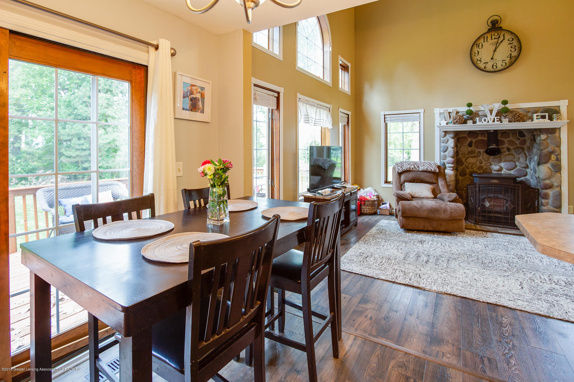3763 N Airport Rd - Eat In Kitchen - 9