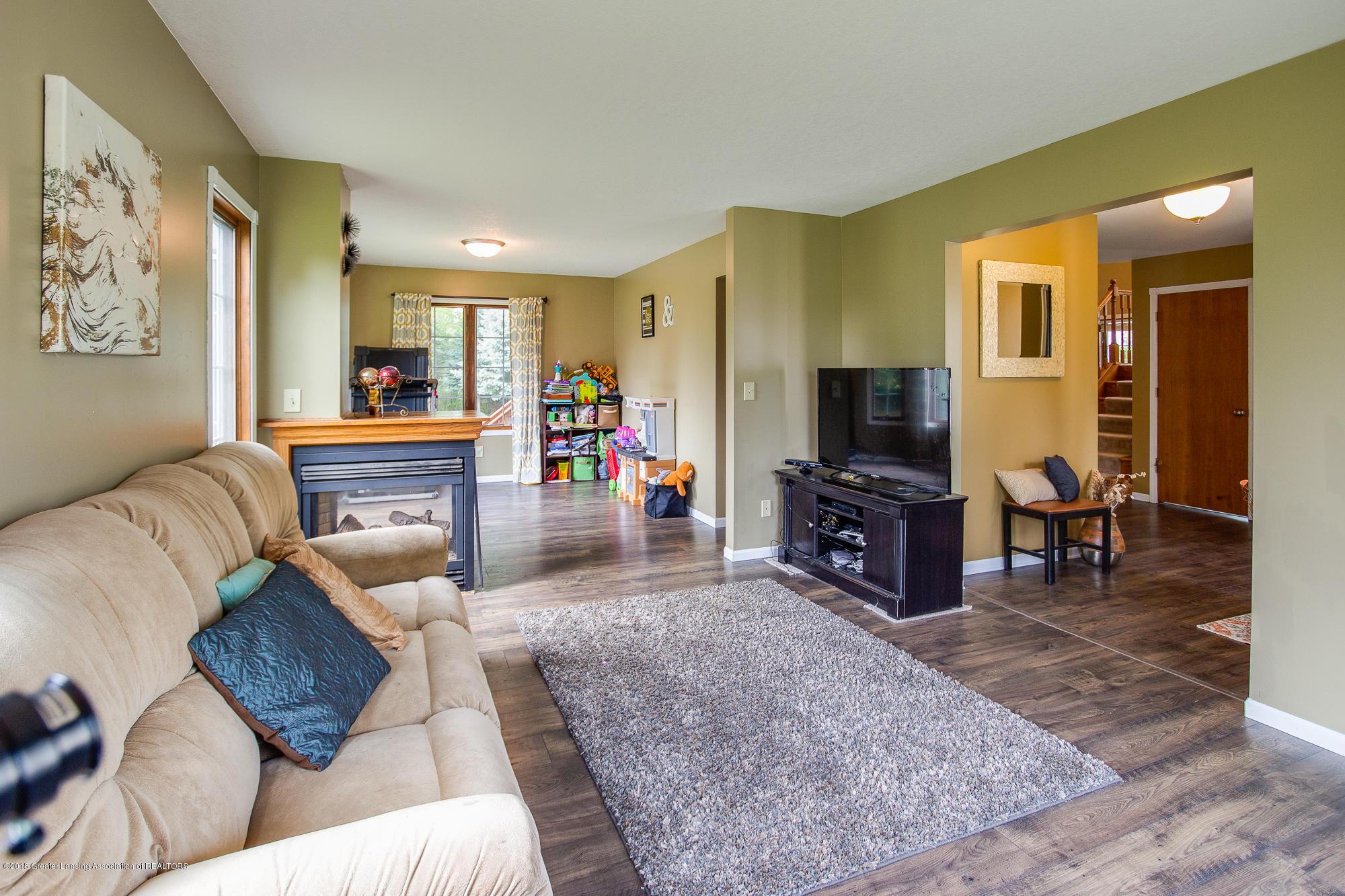 3763 N Airport Rd - Living Room - 14