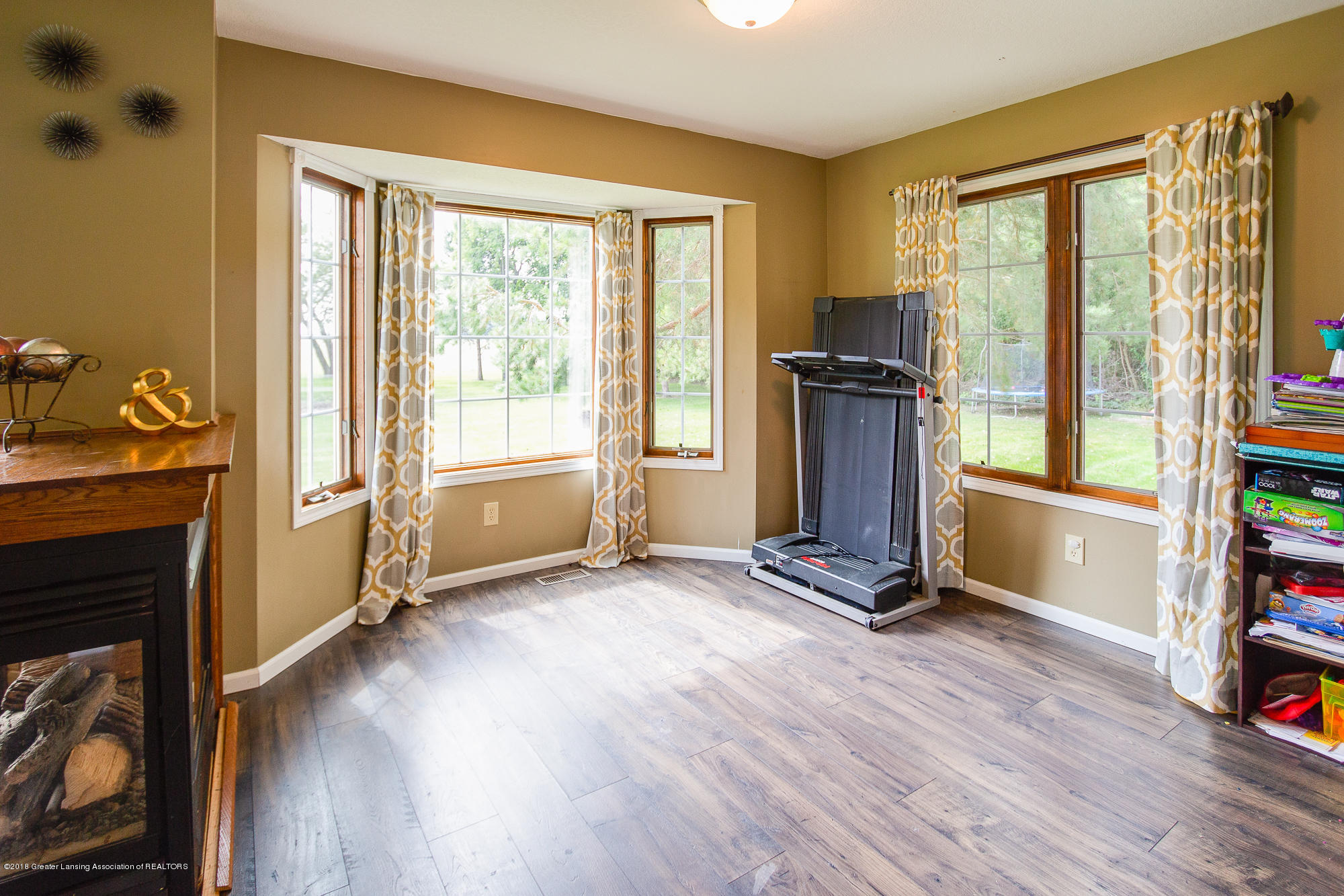 3763 N Airport Rd - Formal Dining Room - 17