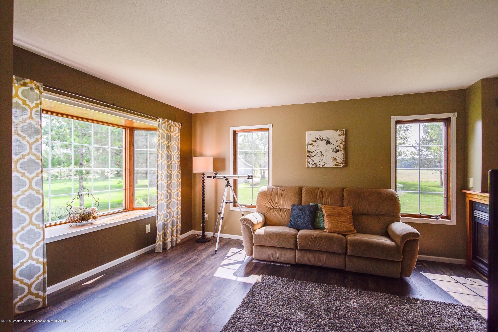 3763 N Airport Rd - Living Room - 13