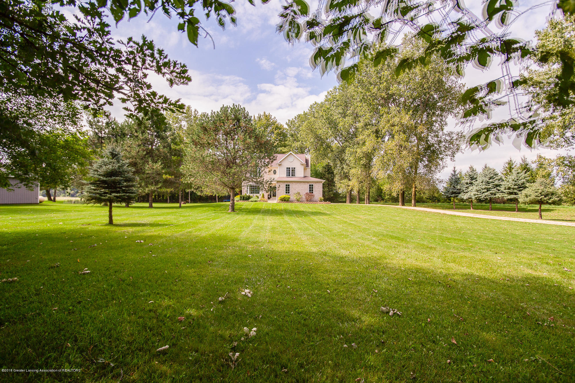 3763 N Airport Rd - Beautiful Front Yard - 33