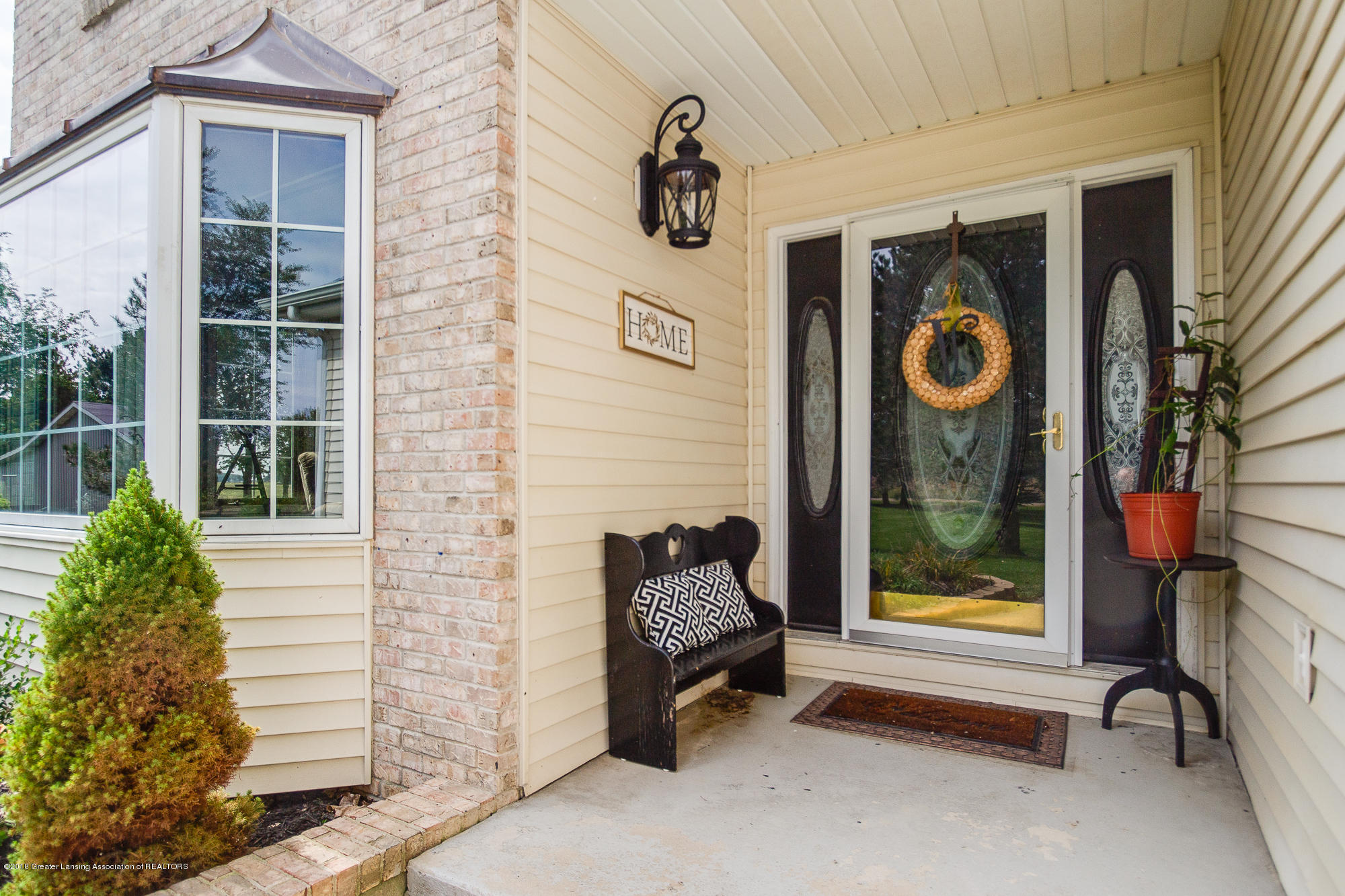 3763 N Airport Rd - Front Porch - 3