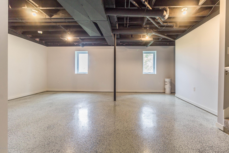 8995 Doyle Rd - doyle-basement - 34