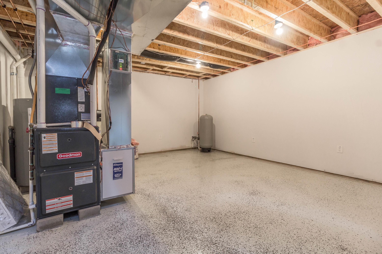 8995 Doyle Rd - doyle-basement-2 (1 of 1) - 35