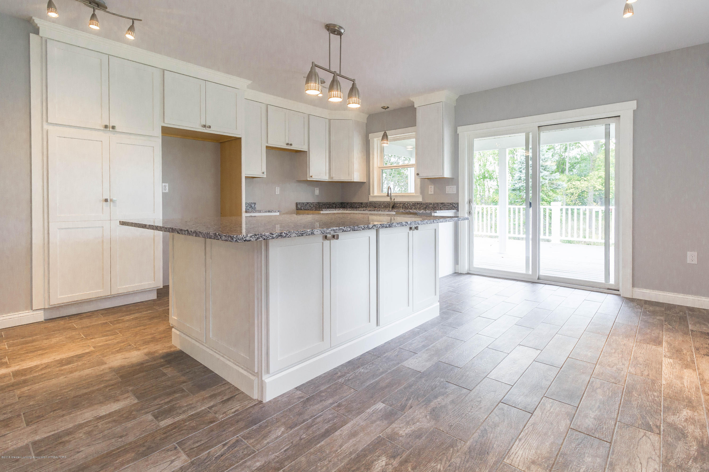 8995 Doyle Rd - doyle-kitchen-3 - 7