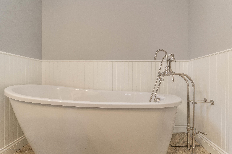 8995 Doyle Rd - doyle-master-bath-3 (1 of 1) - 28
