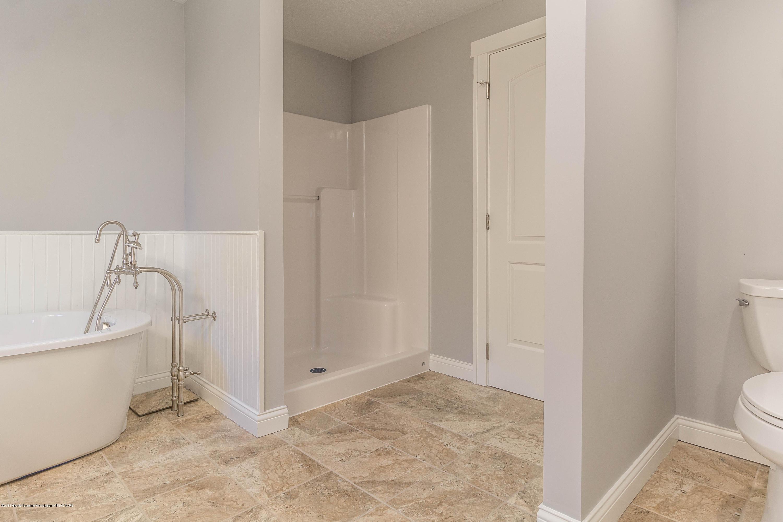 8995 Doyle Rd - doyle-master-bath-6 (1 of 1) - 31