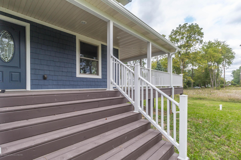 8995 Doyle Rd - doyle-porch-3 (1 of 1) - 37