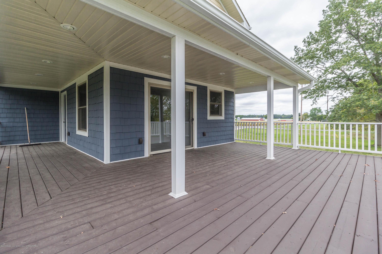 8995 Doyle Rd - doyle-porch-4 (1 of 1) - 38