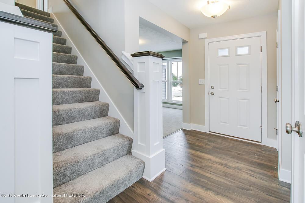 11790 Cortez Cir - Stairway - 16