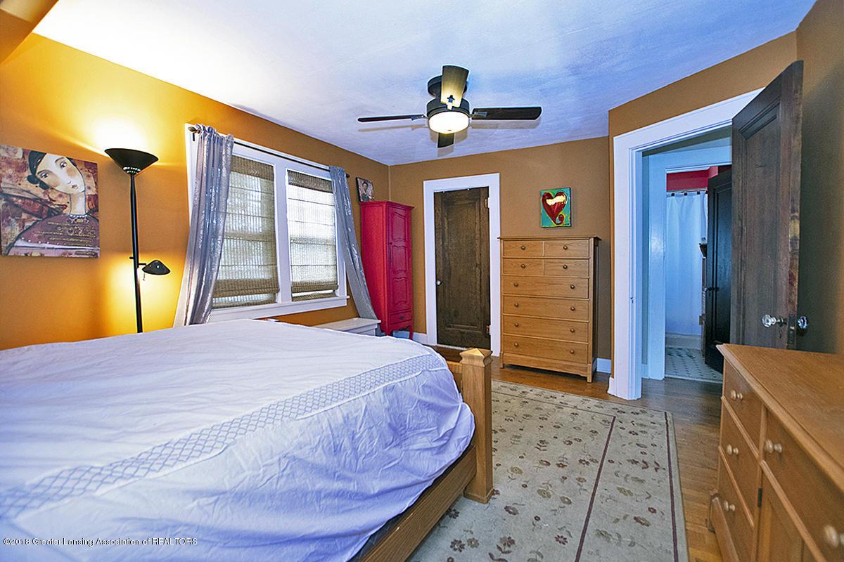 109 S Cedar St - 109 S Cedar- Master Bdrm closet and hall - 18