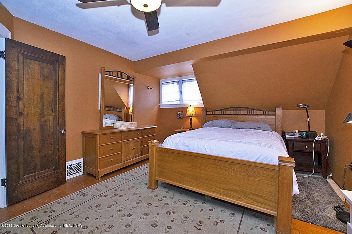 109 S Cedar St - 109 S Cedar- Master Bedroom & door - 17