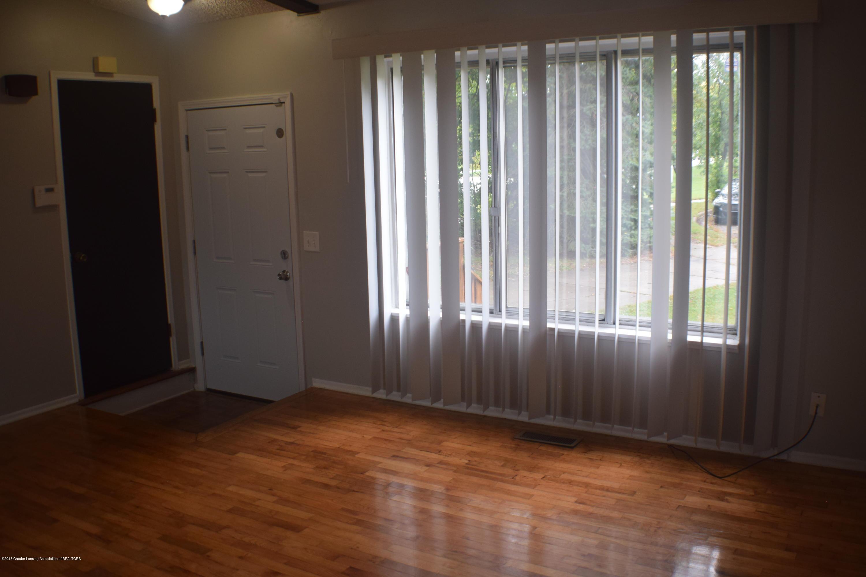 3900 Lauderhill Cir - Living Room - 5