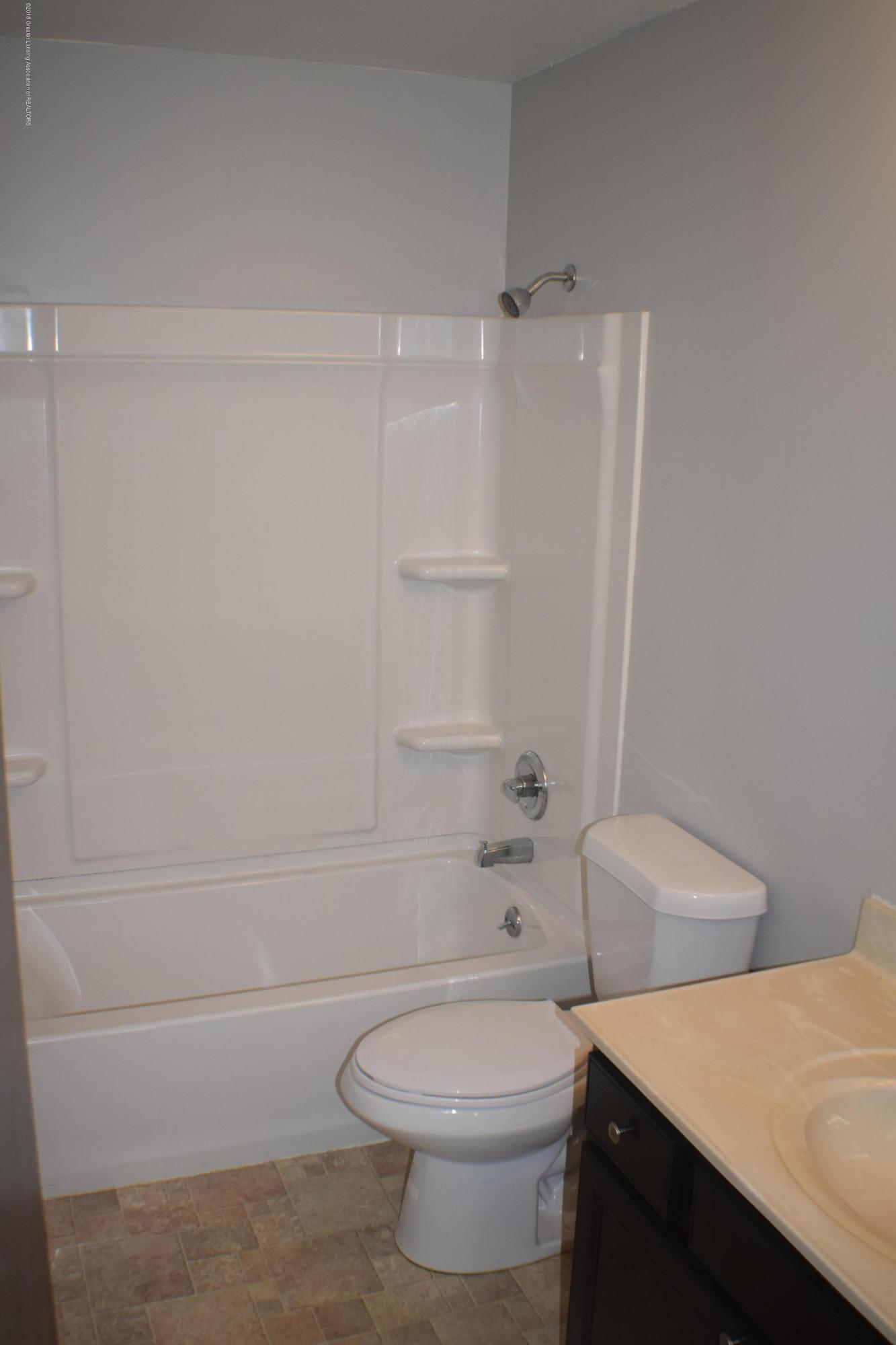 3900 Lauderhill Cir - Bathroom - 8
