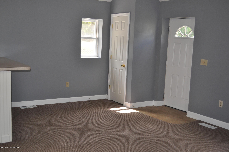 400 N Grace St - 400 N Grace- Living Room facing Entryway - 14