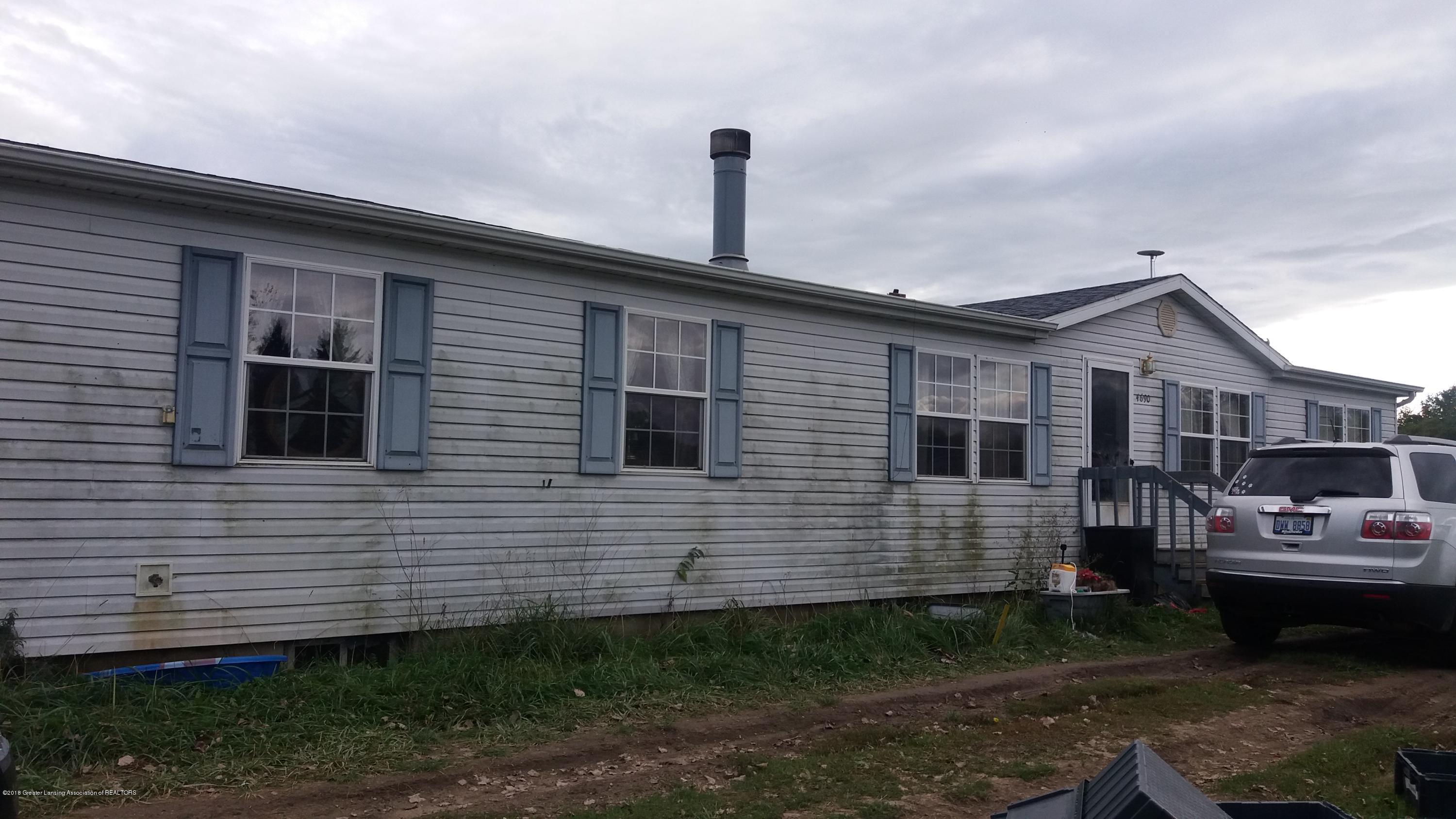 4690 Island Hwy - Front - 1