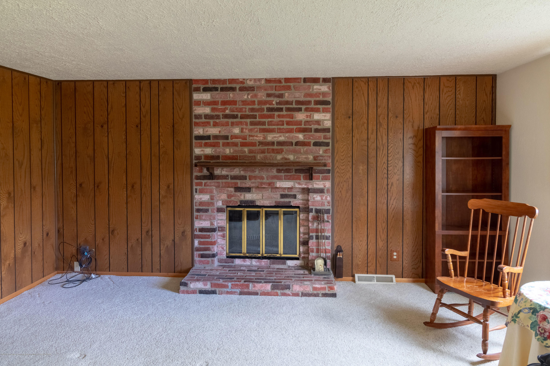 8057 Hunter Rd - Living Room - 12