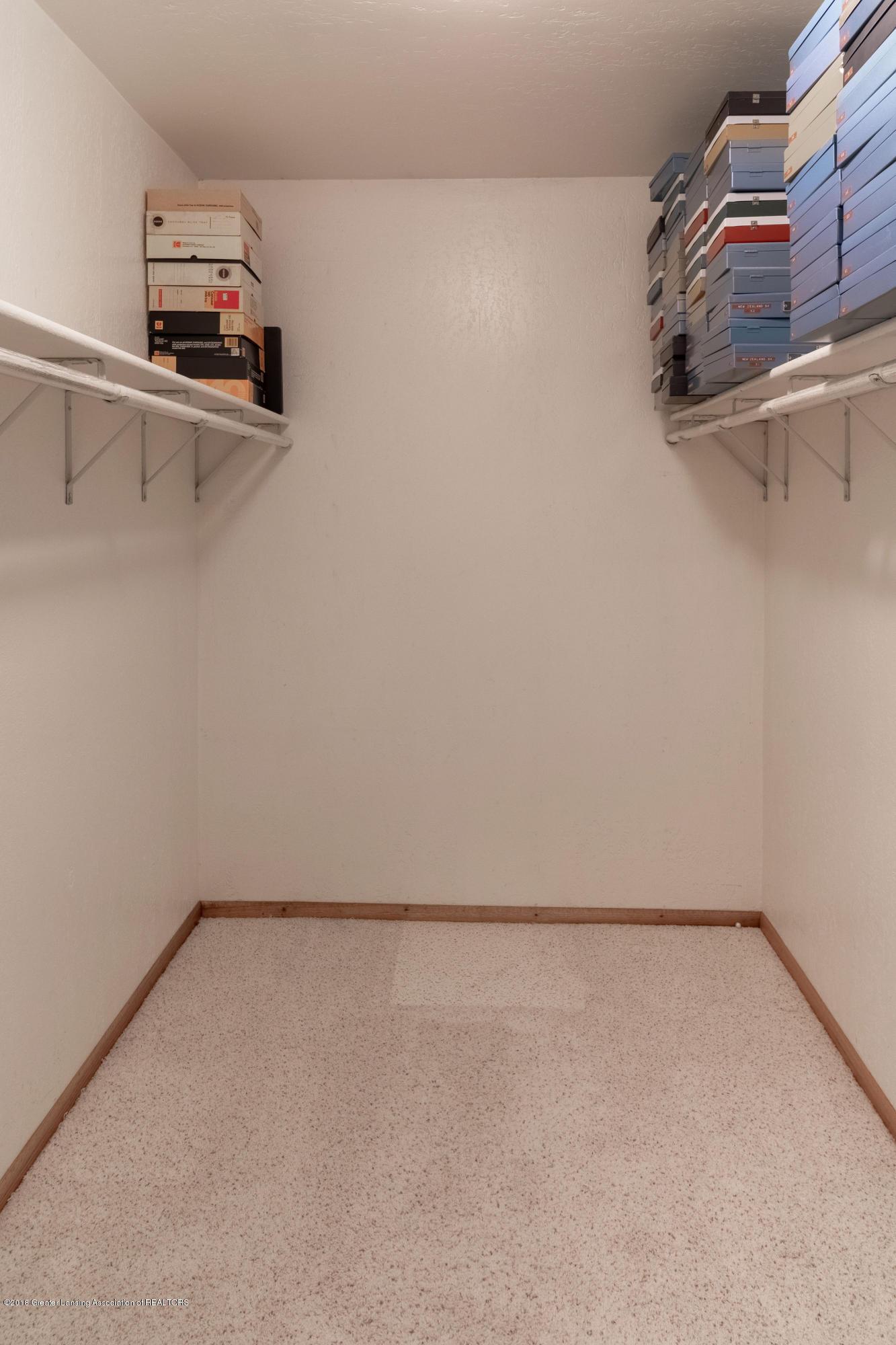 8057 Hunter Rd - Walk-in Closet - 32