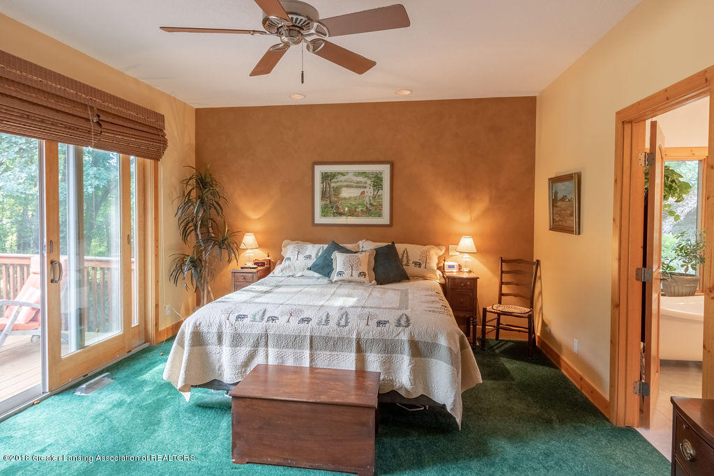 8502 Doyle Rd - Master Bedroom - 31