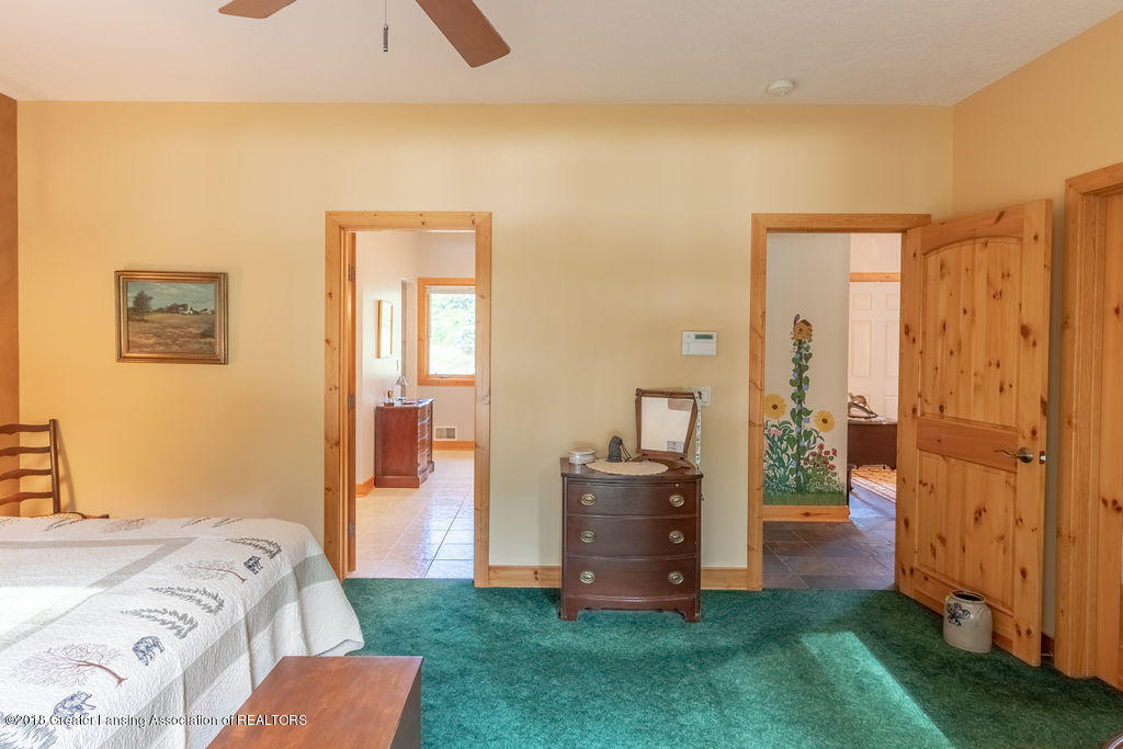 8502 Doyle Rd - Master Bedroom - 32