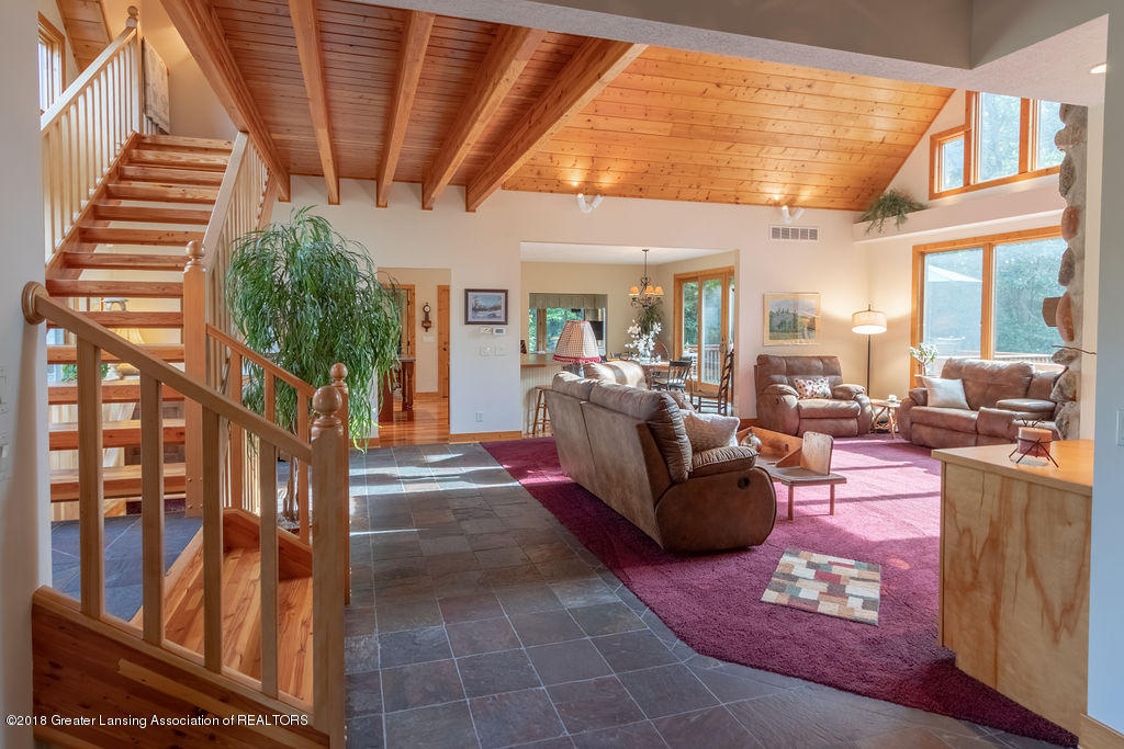 8502 Doyle Rd - Great Room - 9