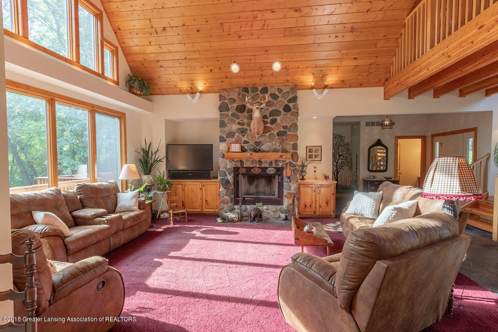8502 Doyle Rd - Great Room - 12