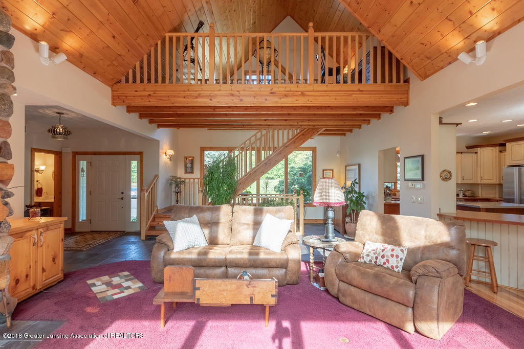 8502 Doyle Rd - Great Room - 13