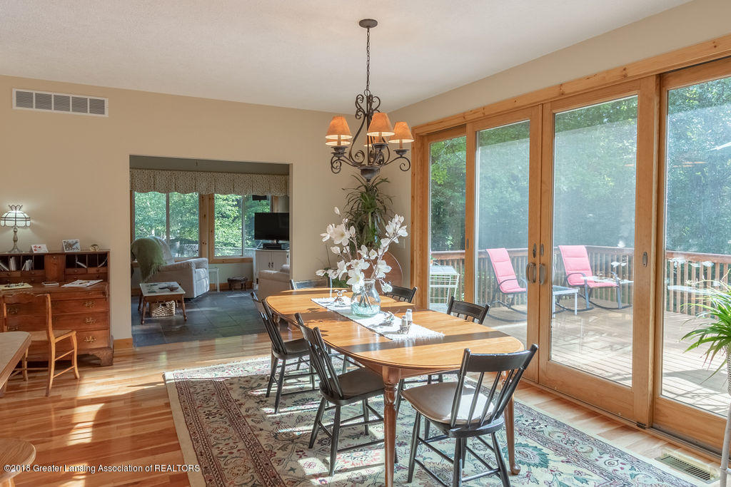 8502 Doyle Rd - Dining Room - 28