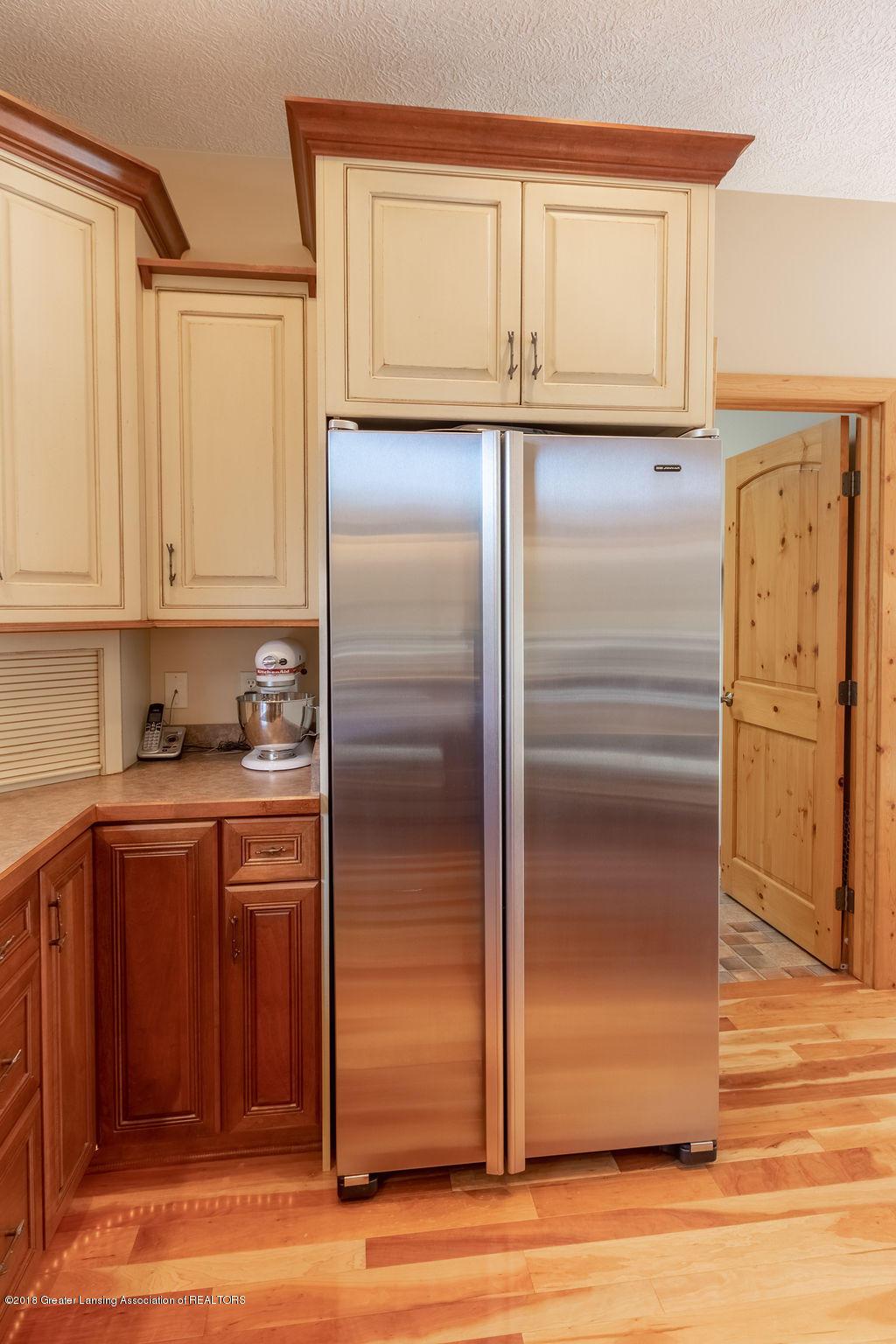 8502 Doyle Rd - Kitchen - 25