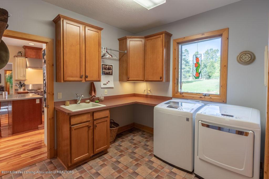 8502 Doyle Rd - Laundry Room - 26
