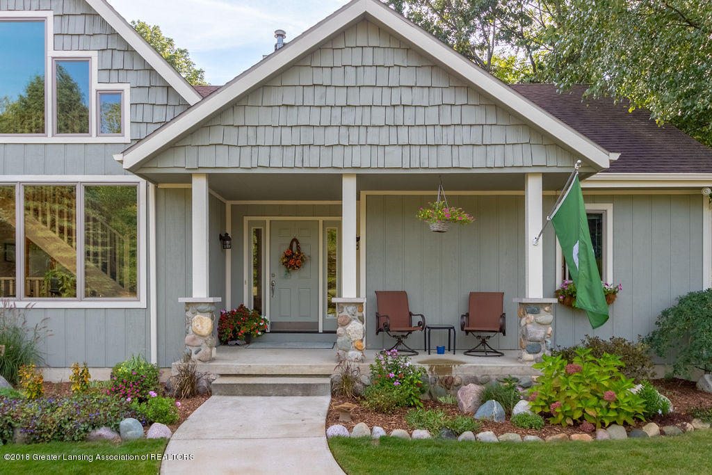 8502 Doyle Rd - Front Porch - 4