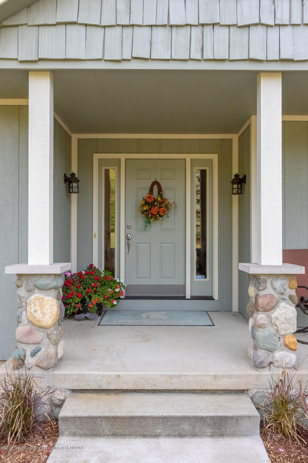 8502 Doyle Rd - Front Porch - 5