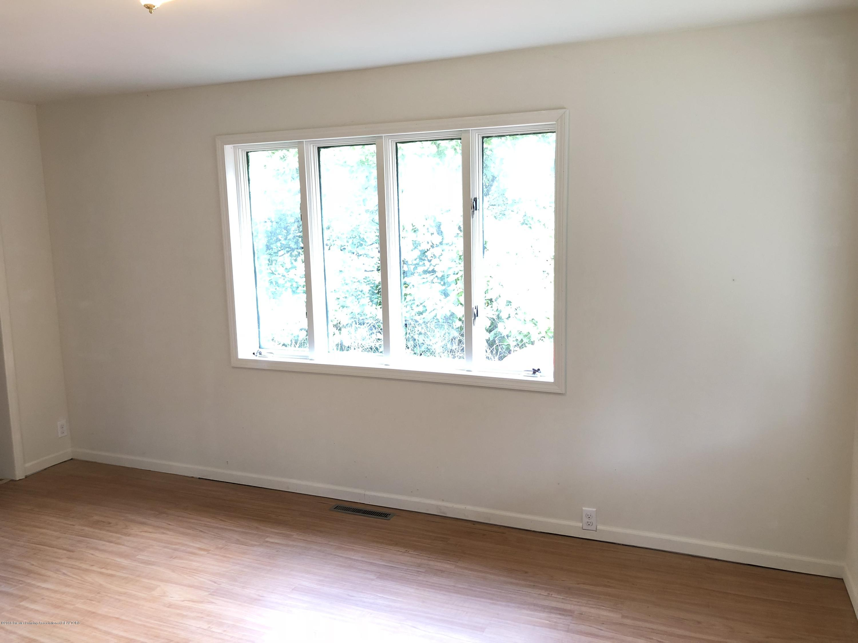 816 Alger Ave - Living room - 4