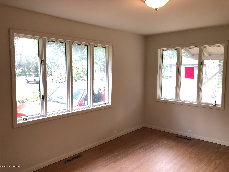 816 Alger Ave - Living room - 6