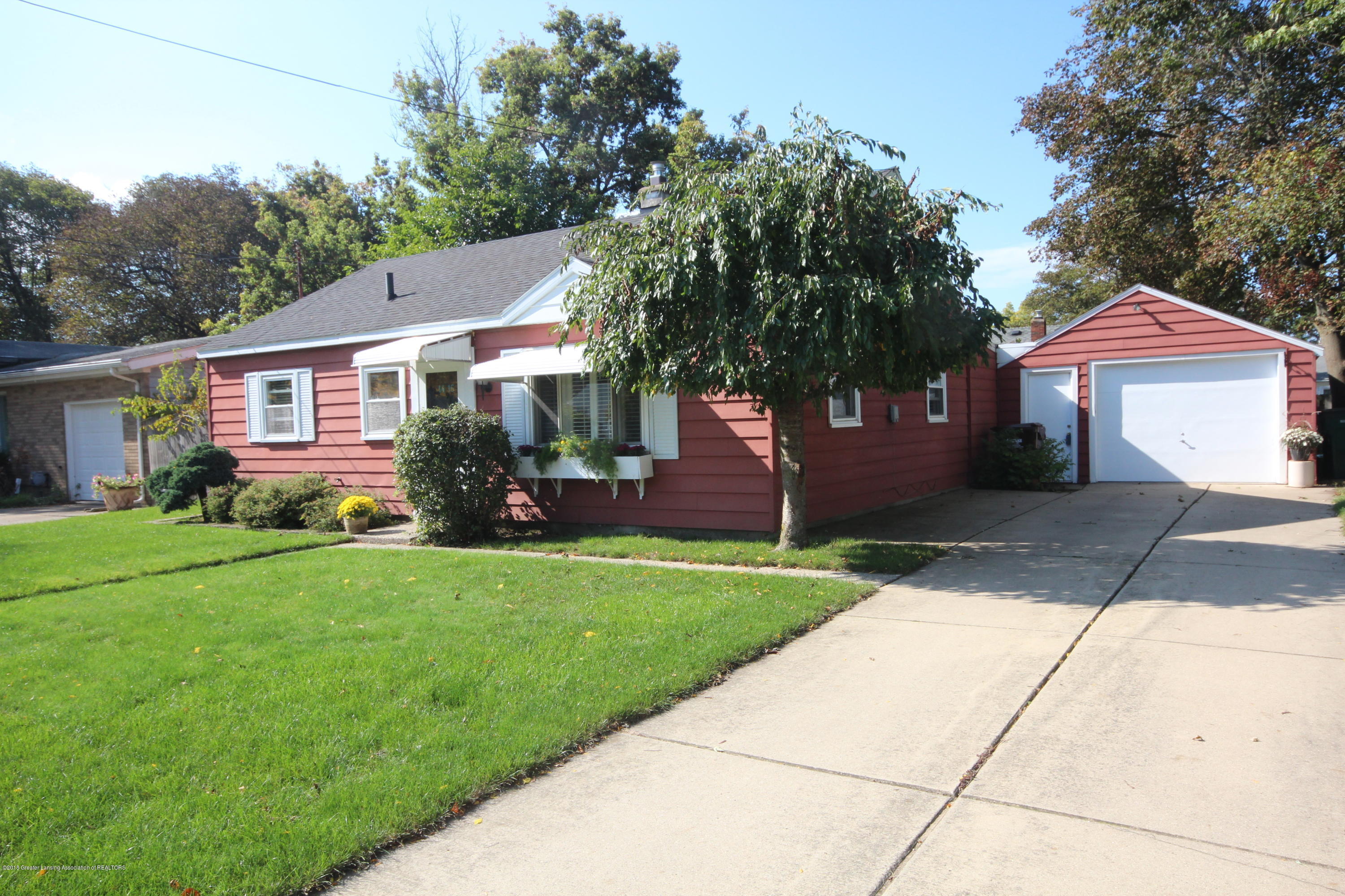 1415 Roselawn Ave - Front Exterior - 1