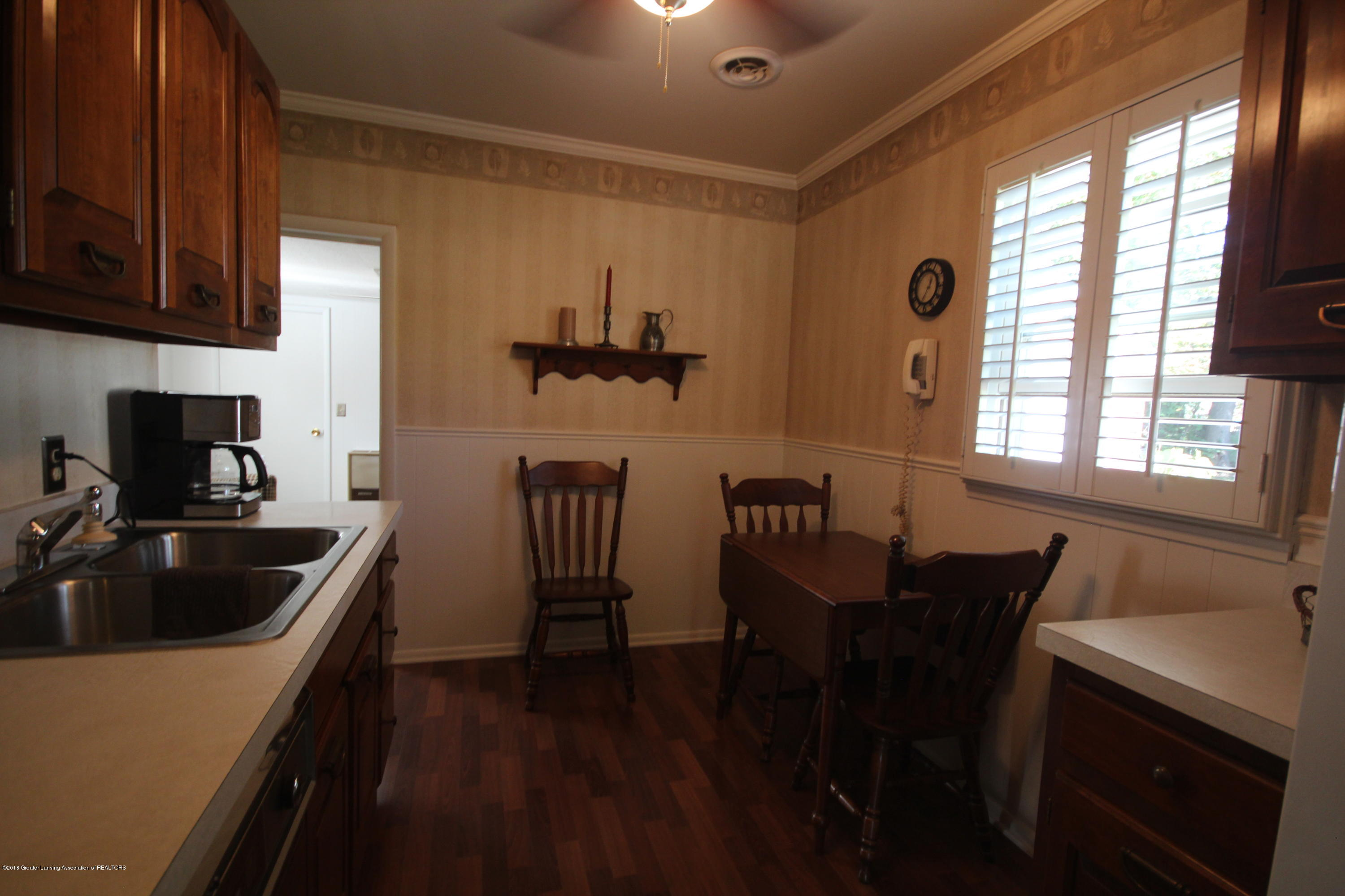 1415 Roselawn Ave - Dining Area - 8